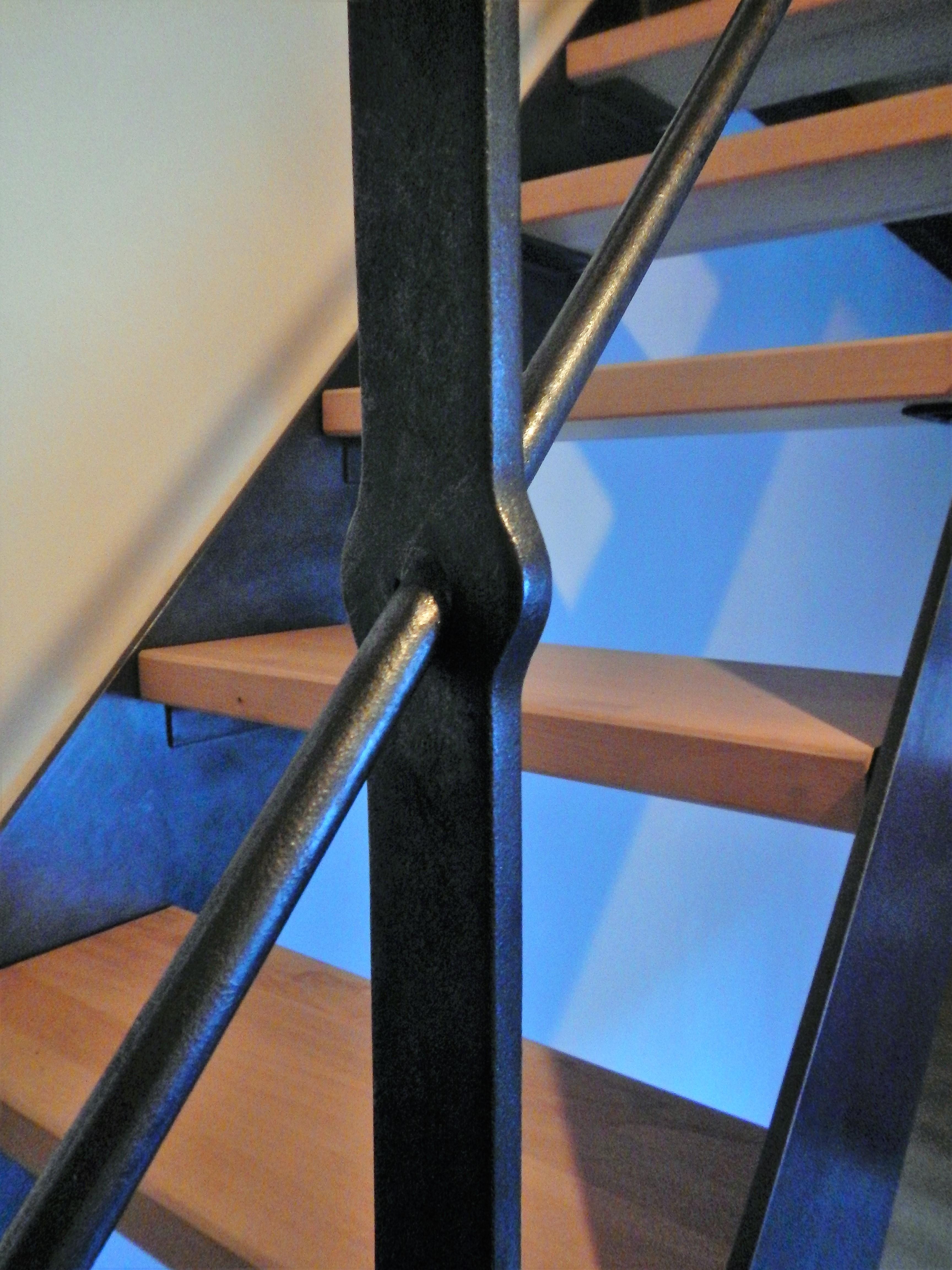 Détail escalierà limon métallique