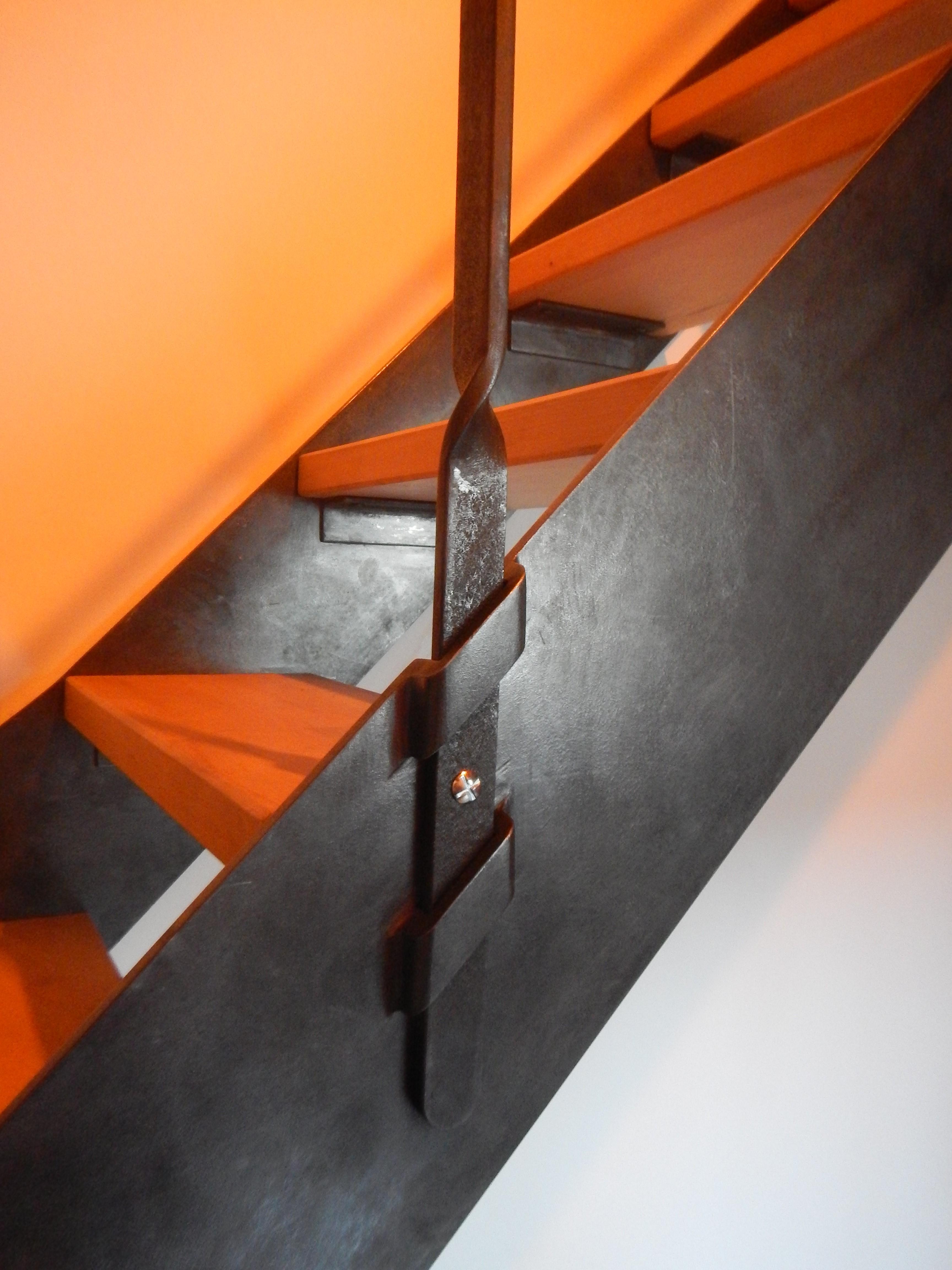 Détails escalier métallique pour mezzanine