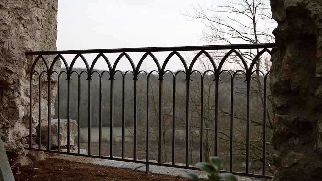 Garde corps fer forgé château